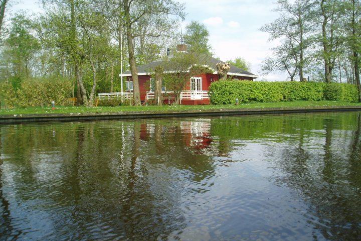 Vakantiehuis Titania (aan het water)